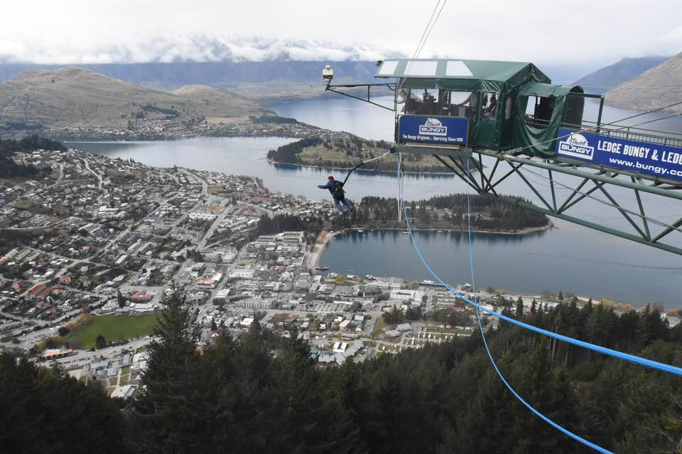 Ledge Bungy, New Zealand